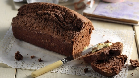 Εύκολο και γρήγορο σοκολατένιο ψωμί απο τον Άκη Πετρετζίκη !