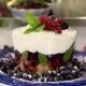 Λευκό Trifle με φρούτα του δάσους!