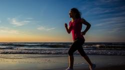 Δες πόσα χρόνια ζωής σου χαρίζουν 5 λεπτά καθημερινού τρεξίματος…