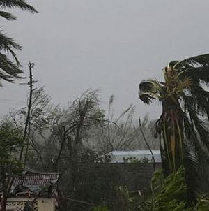 Μια ανάσα πριν από τη Φλόριντα ο τυφώνας Μάθιου