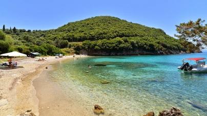 Κρυμμένες παραλίες στην ηπειρωτική ακτογραμμή