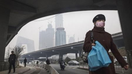 Άρση του 'κόκκινου συναγερμού' αναμένεται αύριο στο Πεκίνο