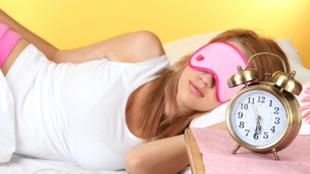 Τόσες είναι οι θερμίδες που παίρνεις όταν δεν κοιμάσαι αρκετά!