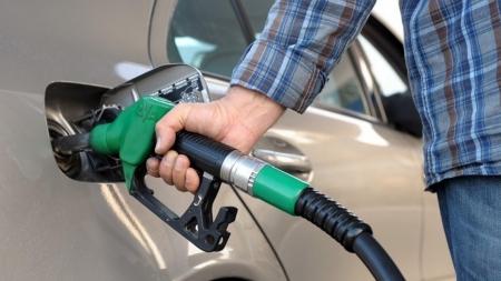 Kανένα θέμα μείωσης φορολογίας καυσίμων ή επιβολής πλαφόν