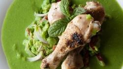 Κοτόπουλο με σάλτσα αρακά