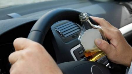 Μεθυσμένος έπιασε τιμόνι και προκάλεσε τροχαίο