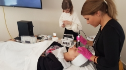 Παρουσίαση Εξειδικευμένων Θεραπειών Αισθητικής Περιποίησης από την εταιρεία IAS Beauty Suppliers στις φοιτήτριες Αισθητικής του KES College