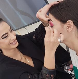 Παρουσίαση Extreme Μακιγιάζ για το Ρεβεγιόν των Χριστουγέννων και της Πρωτοχρονιάς στo KES College από την εταιρεία καλλυντικών MAC Cosmetics Cyprus