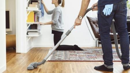 Σου αρέσει το καθάρισμα γιατί σε ηρεμεί; Η επιστήμη εξηγεί γιατί συμβαίνει αυτό