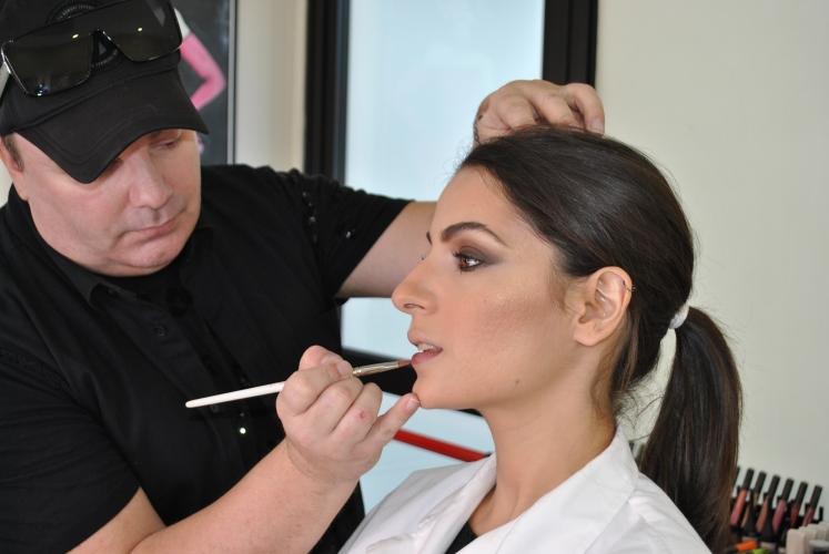 Παρουσιάσεις μακιγιάζ από την εταιρεία KYBELLA BEAUTY LTD και τον Makeup Artist Σταύρο Μπρέζα στις φοιτήτριες Αισθητικής του KES College