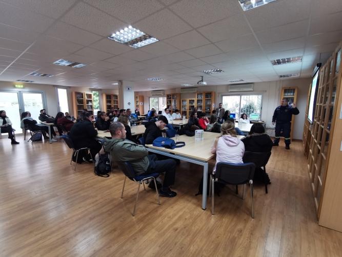 Εκπαιδευτικό Σεμινάριο Πυρόσβεσης και Άσκηση Εκκένωσης Κτηρίων στο KES College