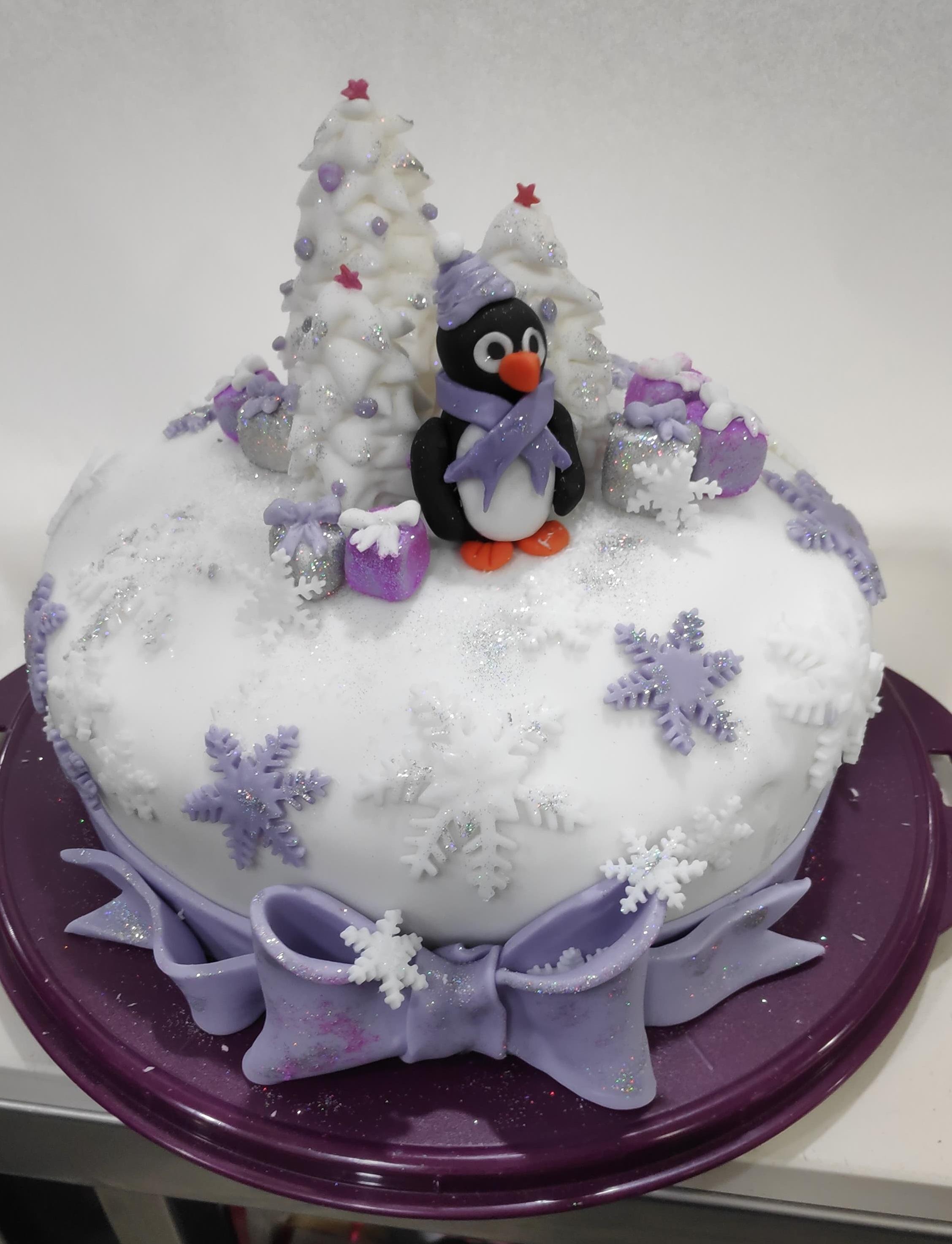 Δωρεάν Εργαστήρι Στολισμού Χριστουγεννιάτικου Κέικ στο KES College
