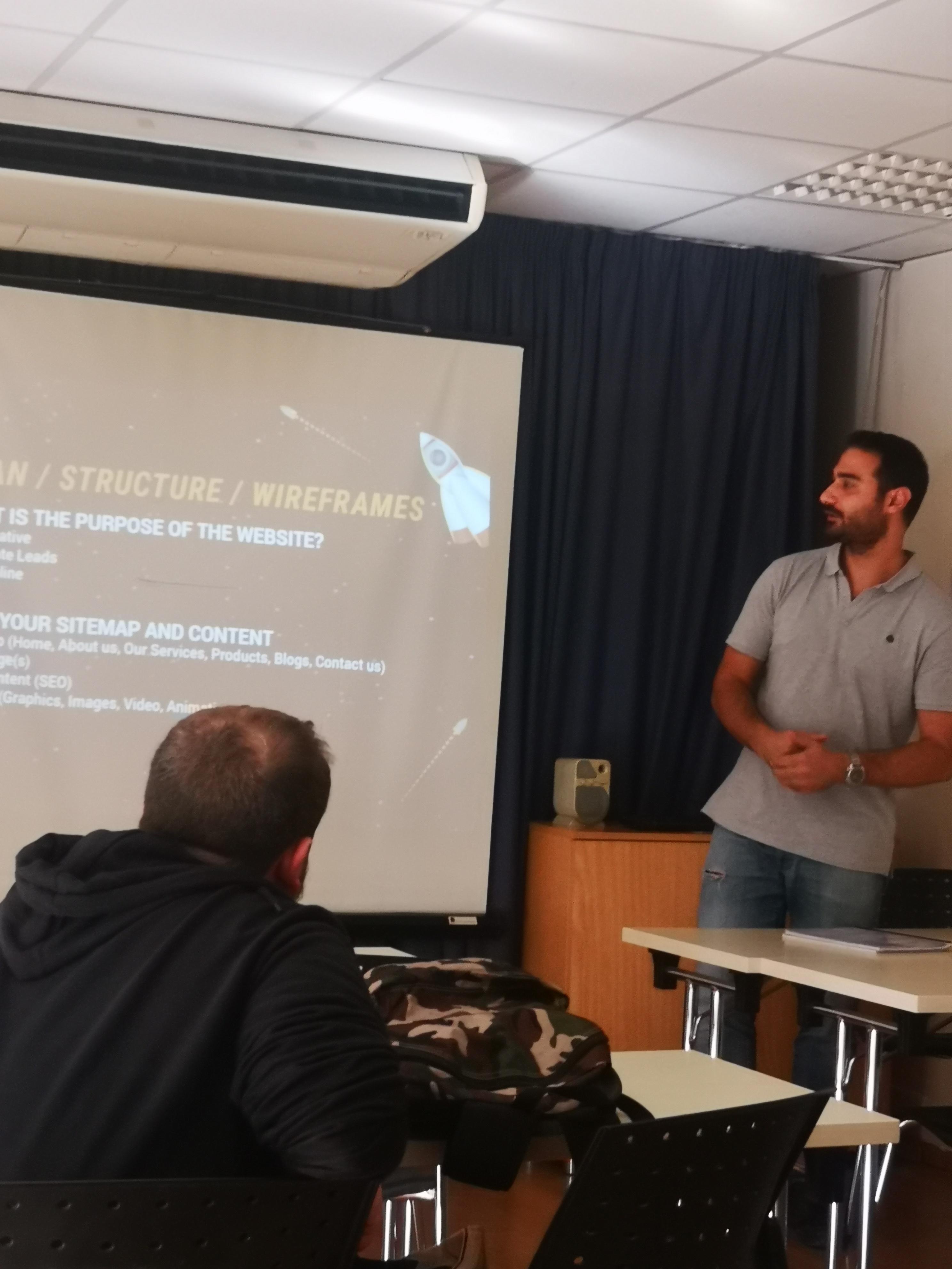 Παρουσίαση με θέμα «Δημιουργία και Ανάπτυξη Ιστοσελίδων» στους φοιτητές Επισιτιστικών Τεχνών του KES COLLEGE
