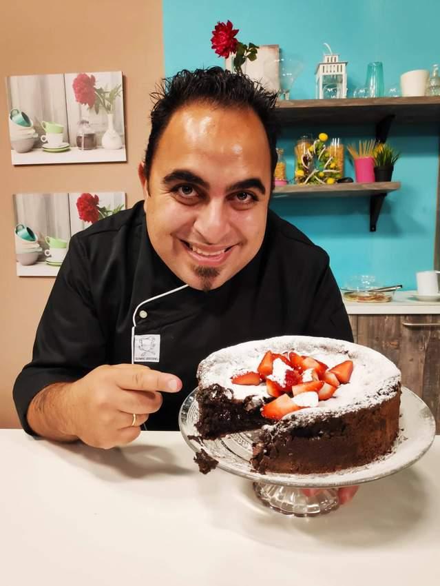 Λαχταριστό και Εύκολο Κέικ Σοκολάτας Χωρίς Αλεύρι